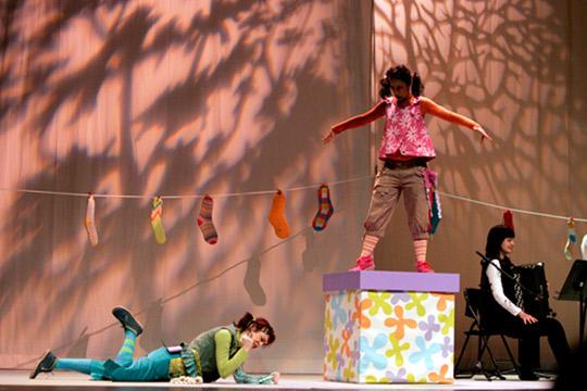 Maider Galarza Y Xabier Artieda, En La Modalidad De Euskera, Y Javier Izcue, En La De Castellano, Ganan El XXVI Concurso De Textos Teatrales Para Público Infantil
