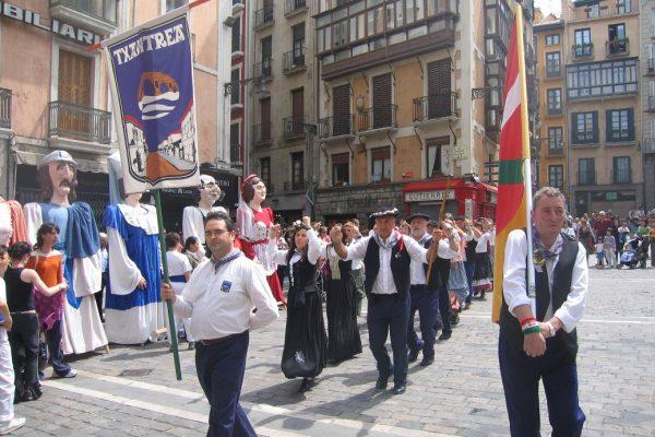 El Ayuntamiento Recibe Este Domingo A Los Mayordomos Y Mayordomas De La Chantrea En La Plaza Consistorial