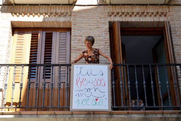 Leire Olkotz, Artista Visual Y Poeta, Se Ha Propuesto Poetizar San Fermín