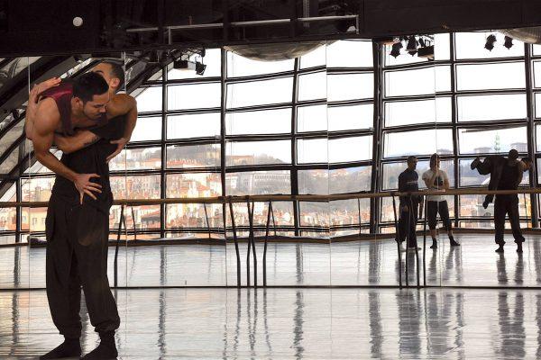 Artistas Inflamables Llegan Al Escenario De Auditorio Barañain De La Mano Del Festival De Danza Contemporánea DNA