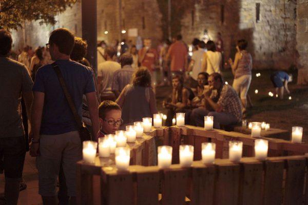 Las Murallas Volverán A Iluminarse Con Miles De Velas Los Tres Primeros Sábados De Agosto Para Acoger Conciertos Y Degustaciones De Vino DO Navarra Y De Pinchos