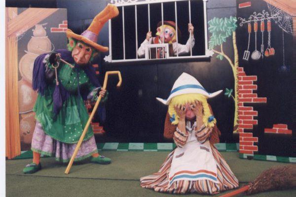 La Compañía Kollins Clown Representa El Próximo Sábado En Civivox San Jorge Dos Cuentos Clásicos Adaptados Al Euskera Por Aingeru Epalza